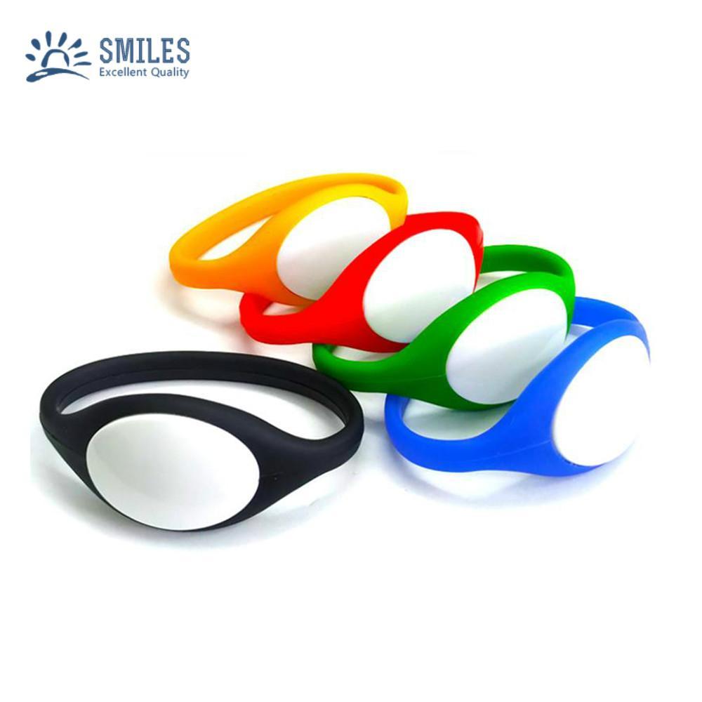 125KHz/13.56MHZ Proximity RFID Bracelets / Silicone Wristband 1