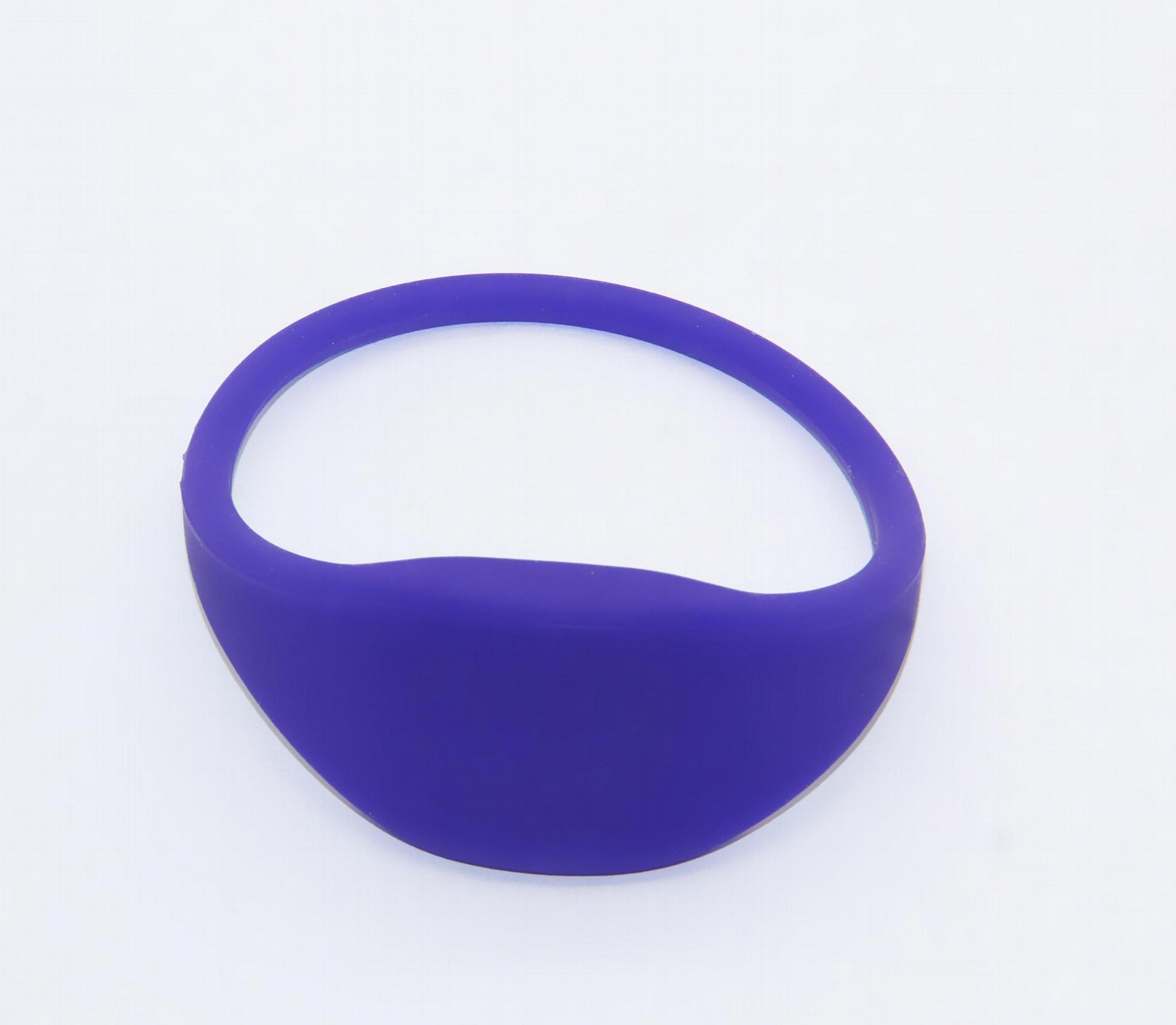 Silicone Soft RFID Bracelet/TK4100 Wristband For Access Control/GYM  3