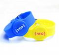Adjustable EM/Mifare Wristband/ RFID Keytag Waterproof Bracelets  3