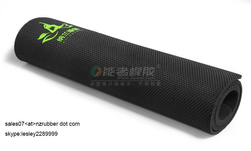 custom designed Anti-slip Eco friendly Rubber  Yoga Mat 2