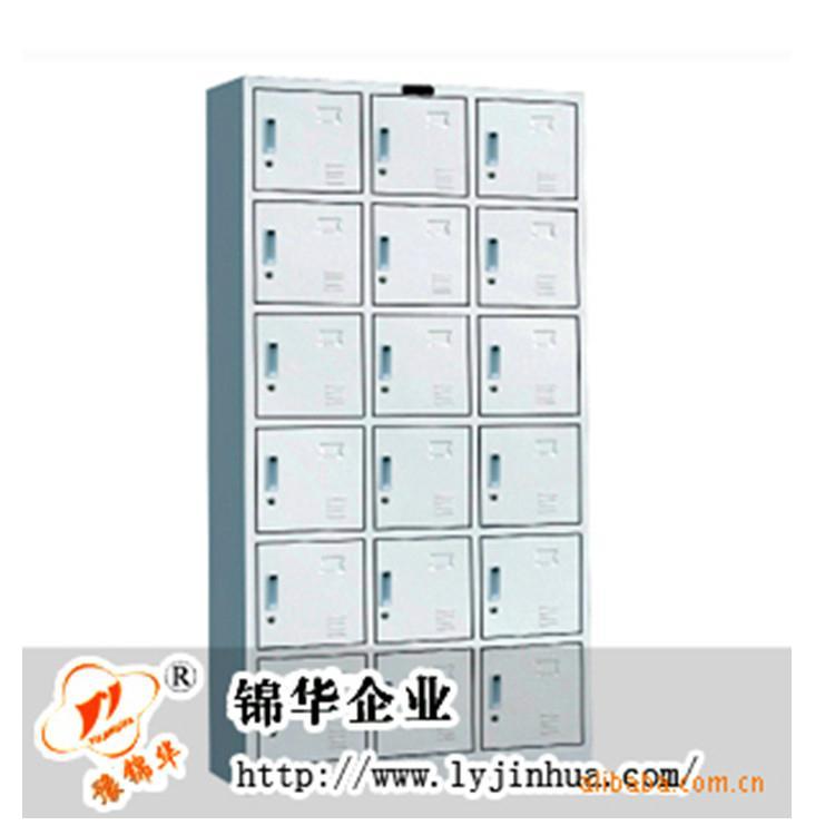 twelve door locker 4