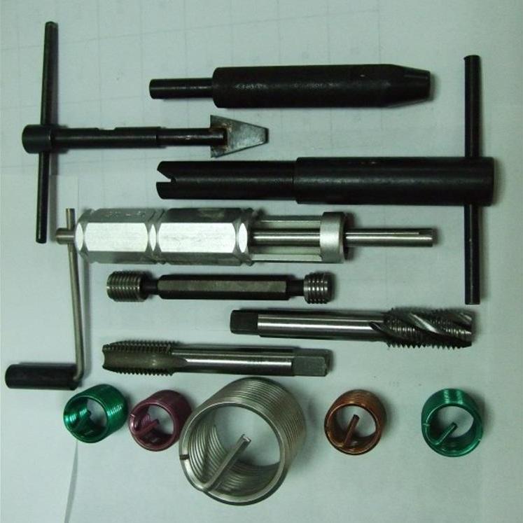 钢丝螺套及扳手  3