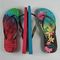 Customized fashionable diy logo summer rubber anti-skid beach slippers 3