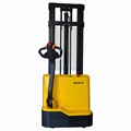 China Manufacture 1.5ton Electric Stacker Truck