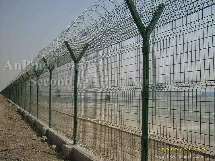 High security hot dipped ga  anized and pvc coated Airport Fence 4