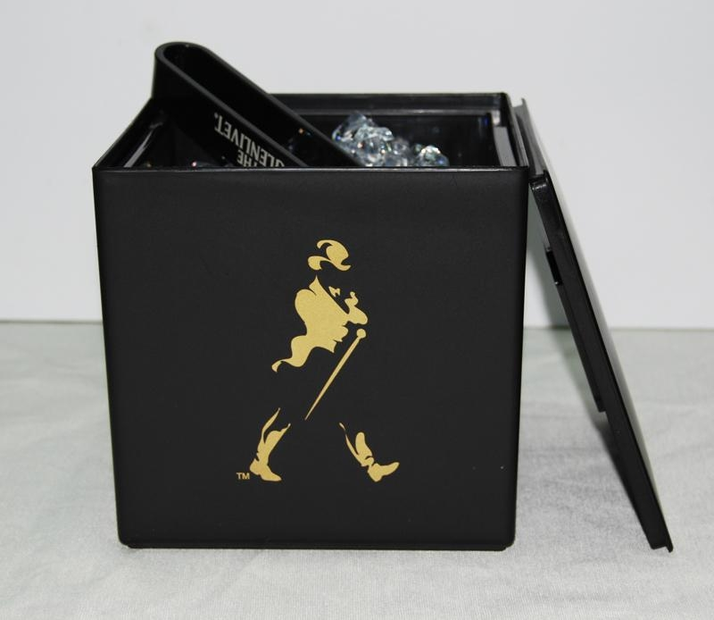 Johnnie Walker plastic double layer ice bucket with lid 3 Liters 3