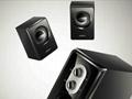 音箱前面板设置有音量调节和低音增益旋钮,用户可根据自己的听音习惯进行调节,前置式设计也让调控更加方便。并且按钮处设有电源指示灯,音箱工作时指示灯会亮起,用户可以直观了解到音箱是否处于工作状态。