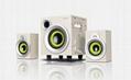 E300PLUS相比原來的E300版本,融入了更多的設計亮點,讓整個產品更加時尚、活潑,充滿青春氣息;喇叭單元配置採用了4寸的優質低音單元搭載2.75寸的中高音單元,頻響均衡,低音豐沛深沉,人聲清晰,高音嘹亮。無論從音效還是外觀上,都會給人帶來不一樣的感受。