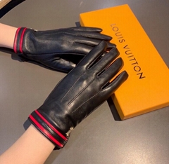 gloves    leather gloves woman fashion    mittens black