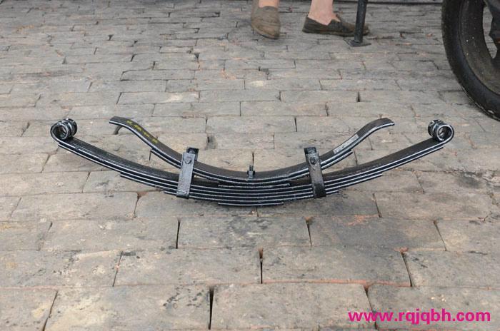 三輪摩托車鋼板彈簧 1