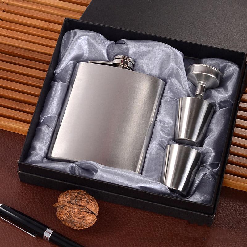 Portable Stainless Steel Hip Flask Flagon Set Pocket Flask Flagon  Whiskey Mug 1