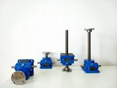 电动螺旋升降机