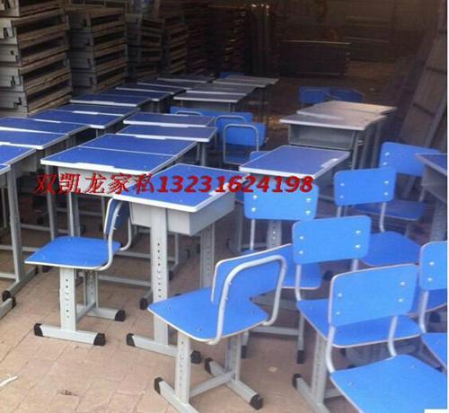 儿童可昇降學習課桌椅生產廠家 3