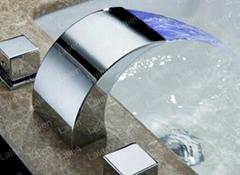 全銅 LED瀑布三孔浴室櫃分體式面盆水龍頭 冷熱洗臉盆台盆龍頭