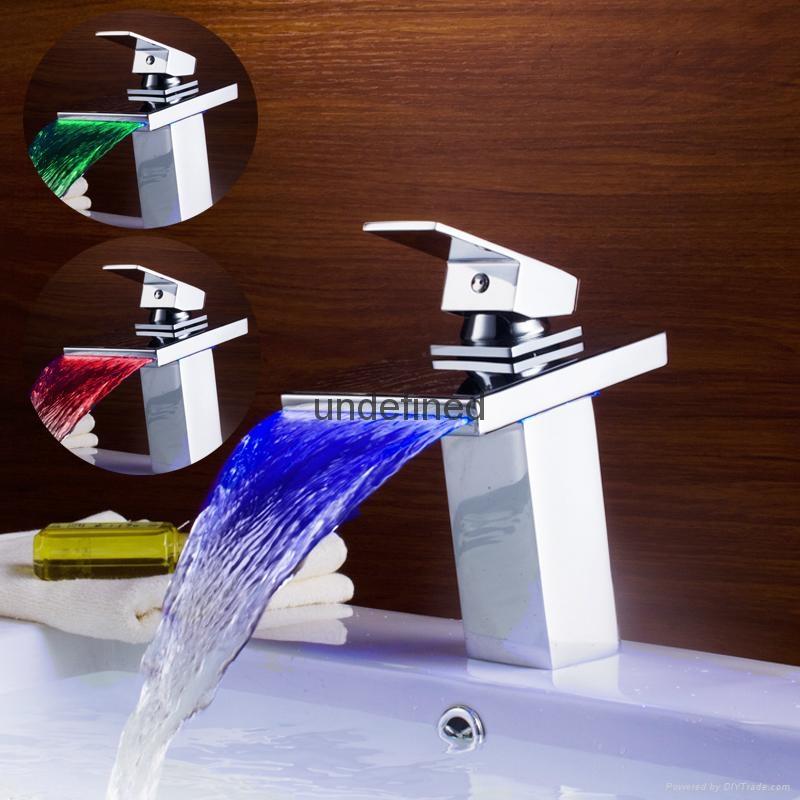 全銅LED三色控溫發光冷熱瀑布單把浴室面盆龍頭 1