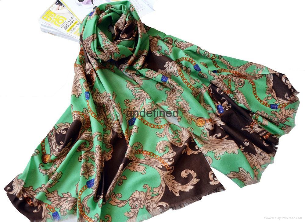 女士冬季保暖百搭印花羊毛围巾披肩 2