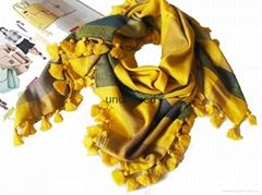 ladies fashionn warm  square woolen scarf