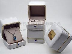 珠寶首飾盒包裝盒金邊按扣首飾盒訂做
