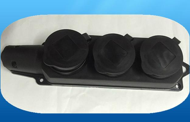 2016 new waterproof rubber 2 way extension socket 3