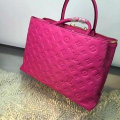 Wholesale Lady 's LV handbags men purse wallet bag Louis Vuitton  shoes