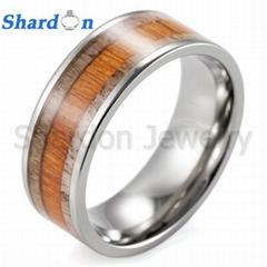 8毫米寬鑲木和天然鹿角的鈦結婚戒指