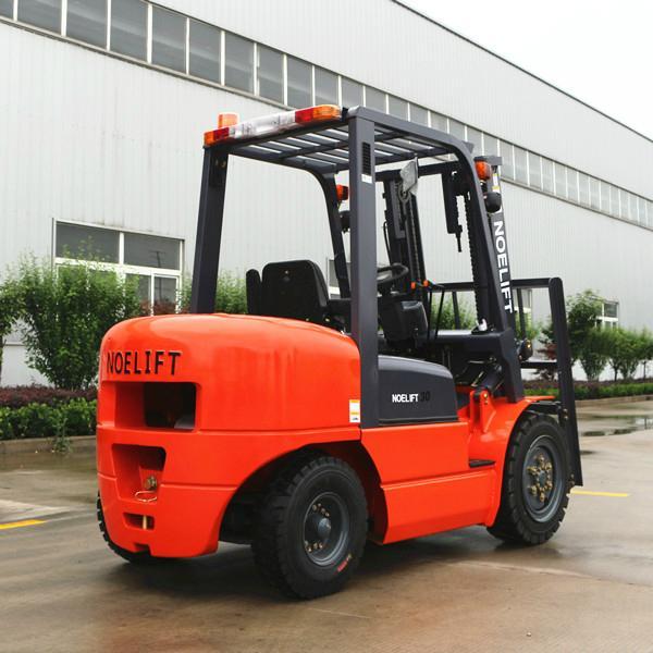 3ton diesel forklift  1