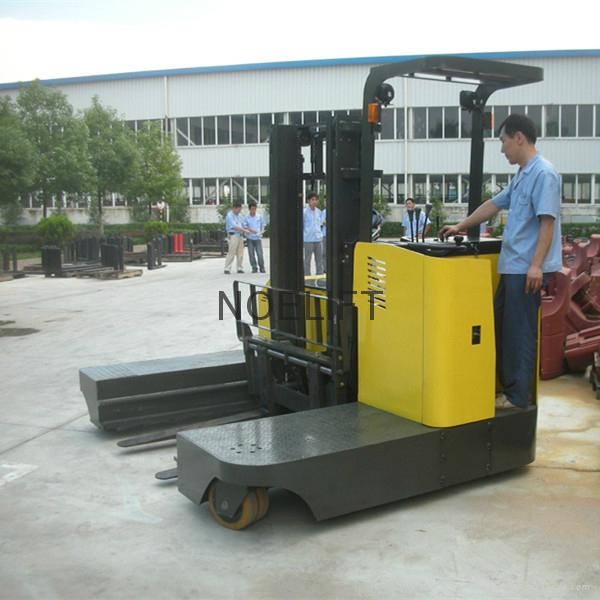 side loader electric reach stacker 3