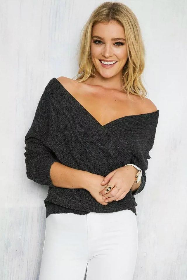 OEM fashion lady sweater blouse sexy knitwear 1
