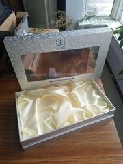 化妆品仿皮PVC+透明天窗包装盒
