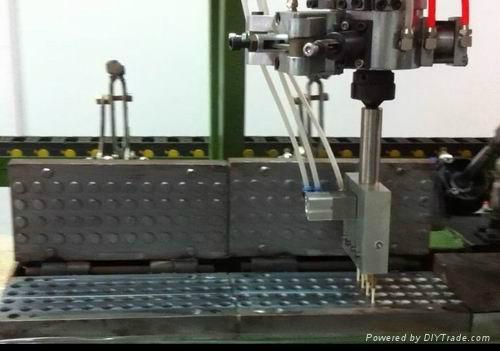 Pu ear plug foaming making machine  3