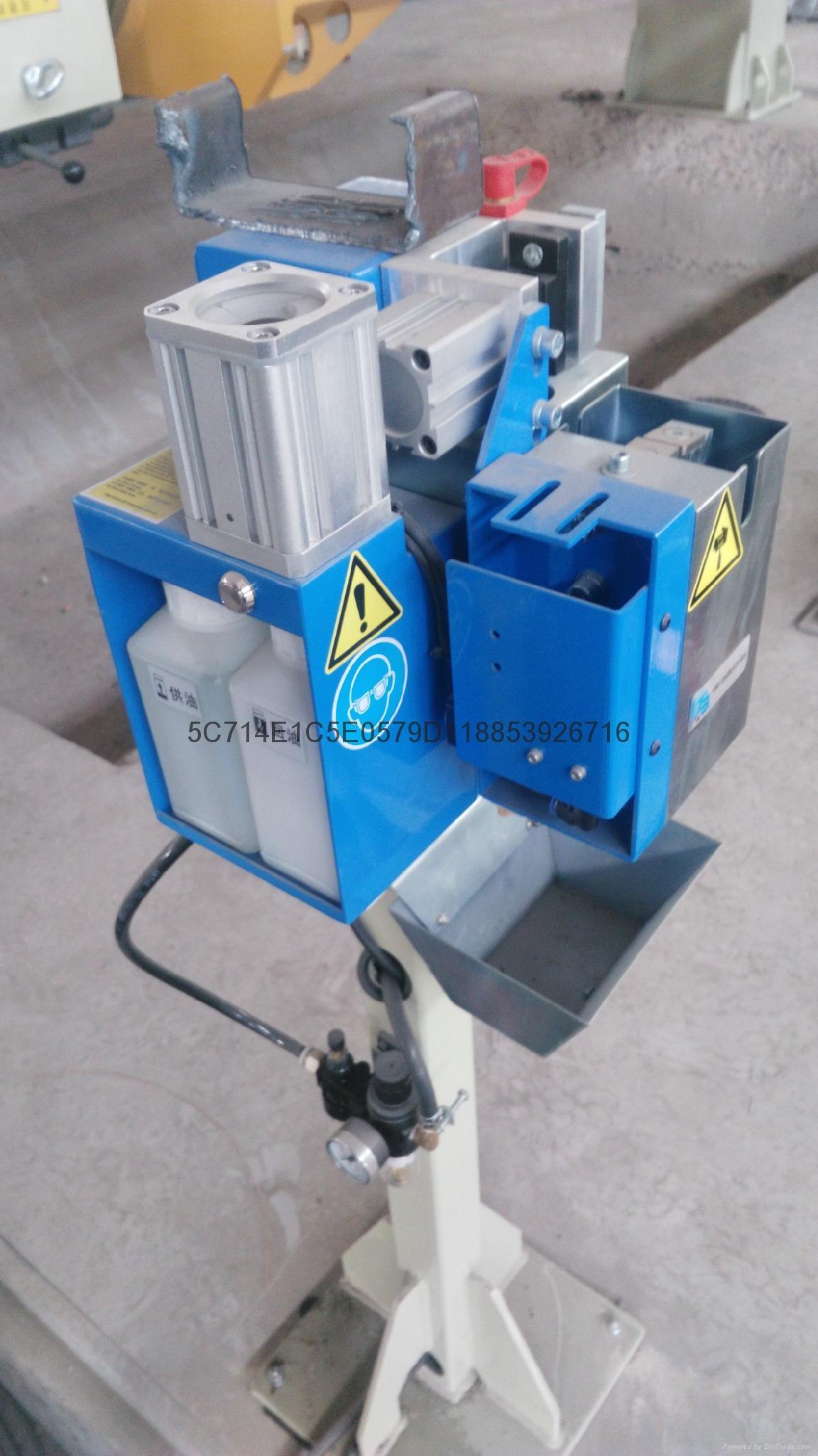 焊接機器人挂車配件焊接機器人 4