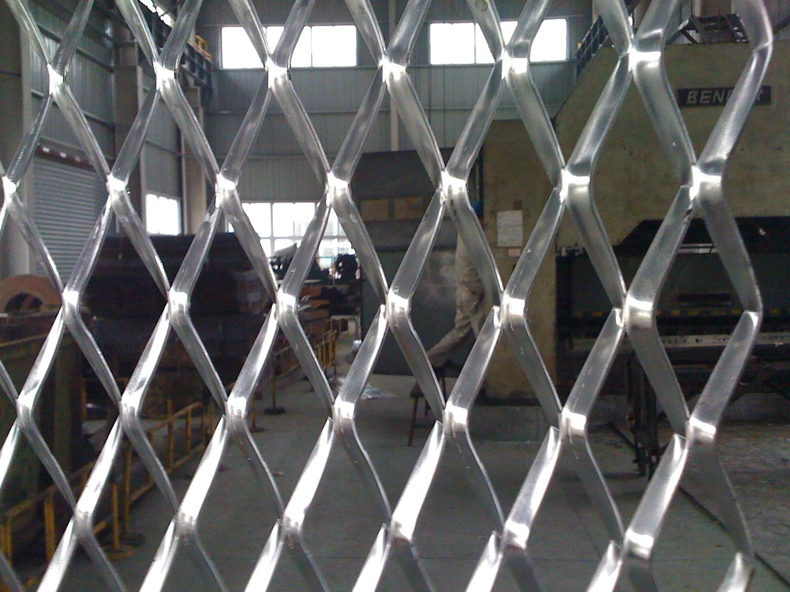 Expanded perforated metal mesh machine 4
