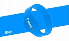 RFID round silicone wristband tag
