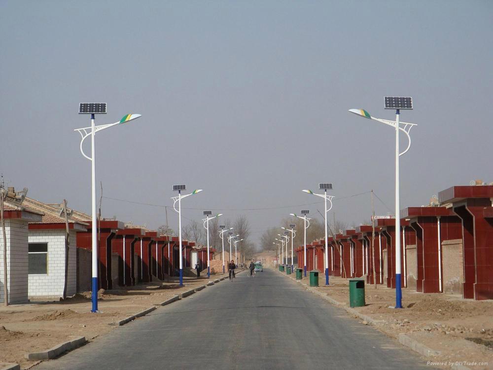 工厂直销太阳能路灯 3