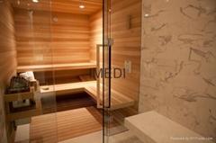 木製設備的房間桑拿