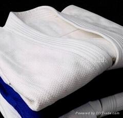 wholesale judo gii/kimono jiu jitsu/ white judo uniform
