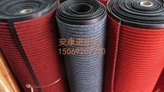 条纹展览地毯PVC条纹地垫阻燃防滑除尘一次性展览地毯