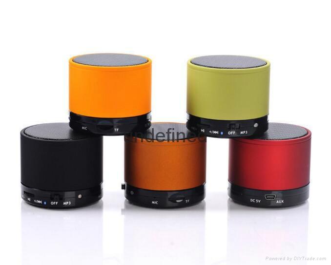 2017 New Fashion S10 BT 3.0+EDR Wireless Portable Mini speaker With FM Radio 11