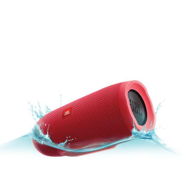 JBL Charge 3 IPX7 waterproof portable speaker with high-capacity batterry 5