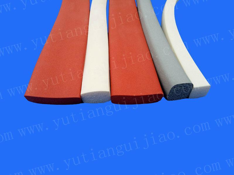 耐高温硅胶海绵条