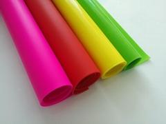 Foam silicone sheet, foam silicone roll, foam silicone pad