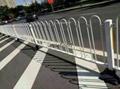 几字形马路护栏