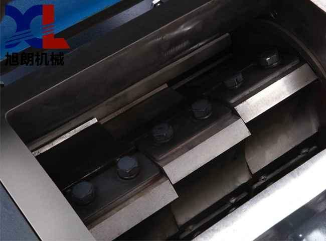 龙岩木块铁质粗碎机 4