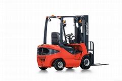 1.8 tonne diesel forklift truck