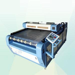 易雕YD1626汽车脚垫激光切割机 自动送料 2
