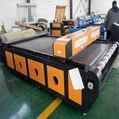 易雕YD1626汽车脚垫激光切割机 自动送料