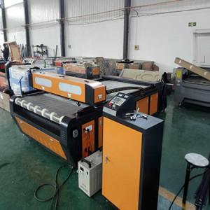 易雕YD1626汽车脚垫激光切割机 自动送料 4