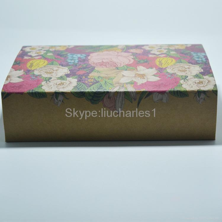 Custom flower pattern kraft paper packaging box 2