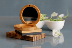 Bamboo eye shadow compact case with mirror