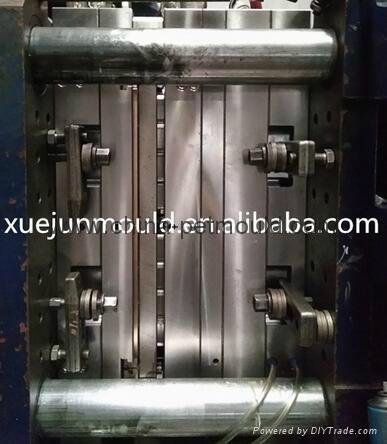 32cavity hot runner valve-gate preform mould 3